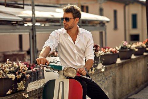 Du trenger ikke ha en klassisk scooter for å se kul ut i sommer. Men det skader aldri.