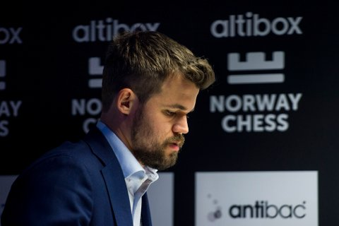Magnus Carlsen klarte til slutt å ta seg videre til semifinalen etter en ny intens duell mot Wesley So. Foto: Carina Johansen / NTB