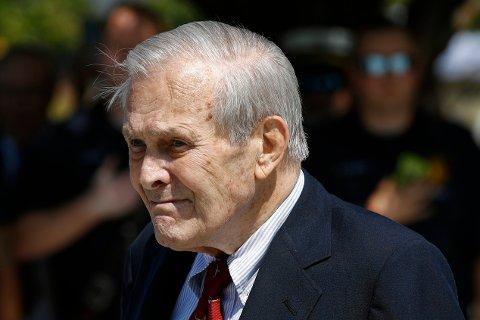 Donald Rumsfeld er død, opplyser familien hans. Her under en seremoni på et minnested ved Pentagon i 2019. Arkivfoto: Patrick Semansky, AP / NTB
