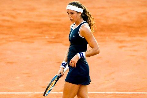 Ulrikke Eikeri fikk det tungt i første runde av WTA-turneringen i Sveits. Foto: Vegard Wivestad Grøtt / NTB