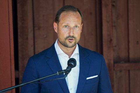 Kronprins Haakon holdt tale under minnemarkeringen på Utøya ti år etter terrorangrepet 22. juli 2011. Foto: Torstein Bøe / NTB