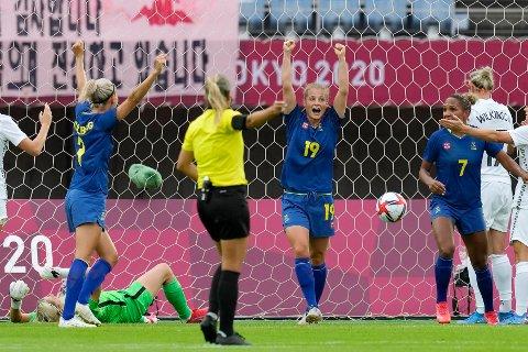 Sverige fortsetter å imponere i OL. Tirsdag vant de 2-0 mot New Zealand uten sine største stjerner. Foto: Andre Penner / AP / NTB