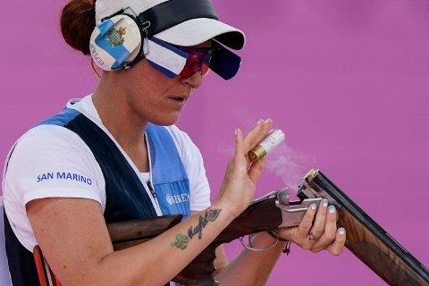 Alessandra Perilli tok San Marinos første OL-medalje noensinne med bronsen i kvinnenes trap-konkurranse. Foto: Alex Brandon / AP / NTB