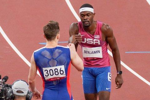 RIVALER: Mye tyder på at gullkampen på 400 meter hekk står mellom Rai Benjamin og Karsten Warholm (med ryggen til).