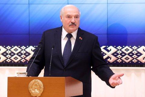 Hviterusslands president Aleksander Lukasjenko stenger deler av grensa mot Litauen. Foto: AP / NTB