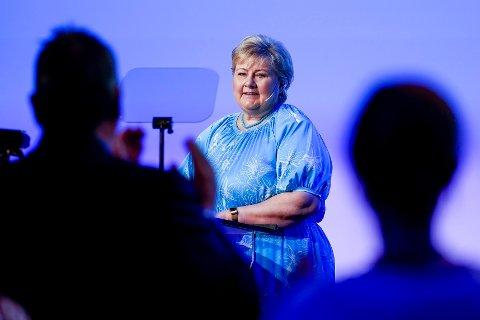 Statsminister og Høyre-leder Erna Solberg mener den siste meningsmålingen for TV 2 er dårlig for borgerlig side. Foto: Terje Bendiksby / NTB
