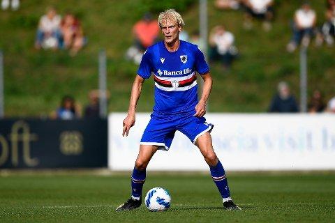 BYTTER NUMMER: Morten Thorsby bytter fra nummer 18 til nummer 2, og det er ikke tilfeldig. Her er han i aksjon for Sampdoria i en treningskamp mot Piacenza i sommer.