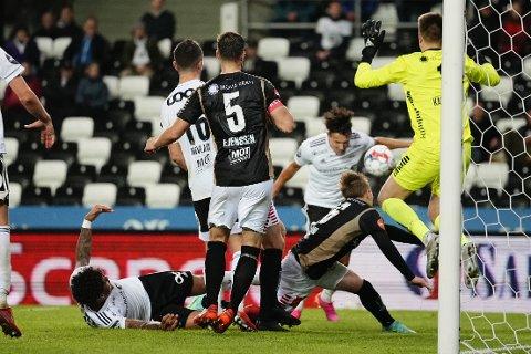 UTROLIG DRAMA: Rosenborgs Stefano Vecchia satte 3-2 etter de tre tillagte minutter mot Tromsø på Lerkendal.