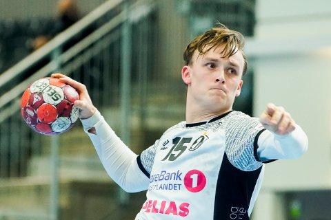 Tobias Grøndahl og Elverum innledet mesterligasesongen med hjemmekamp mot Vardar Skopje. Foto: Fredrik Hagen / NTB