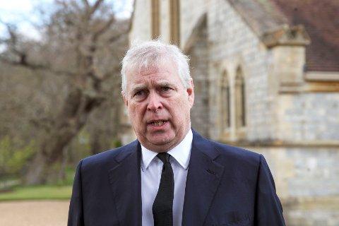 Prins Andrew gikk først til motangrep mot Virginia Giuffre, som har saksøkt ham for seksuelle overgrep, men anerkjenner nå at han er saksøkt for seksuelle overgrep i en sak i USA. Foto: Steve Parsons / AP / NTB