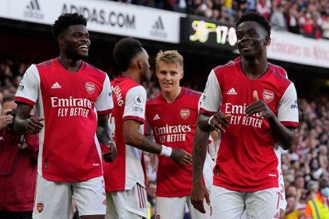 IMPONERTE: Martin Ødegaard var én av mange gode på Arsenal i overkjøringen av byrival Tottenham søndag ettermiddag.