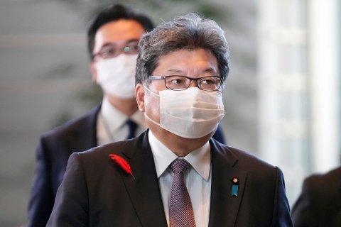 Koichi Hagiuda er finans- og industriminister og en sentral figur i Fumio Kishidas nye regjering i Japan. Foto: Eugene Hoshiko / AP / NTB
