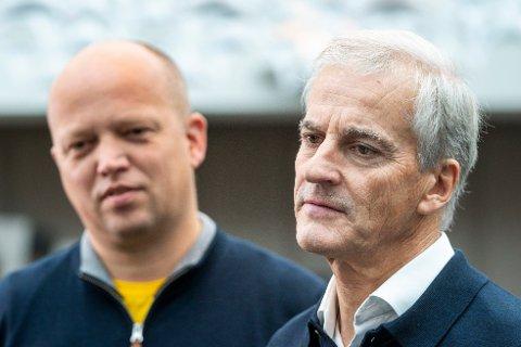 AVKLART: Etter lange dager på Hurdalssjøen Hotell var Ap-leder Jonas Gahr Støre og Sp-leder Trygve Slagsvold Vedum endelig klare for å legge frem regjeringsplattformen.