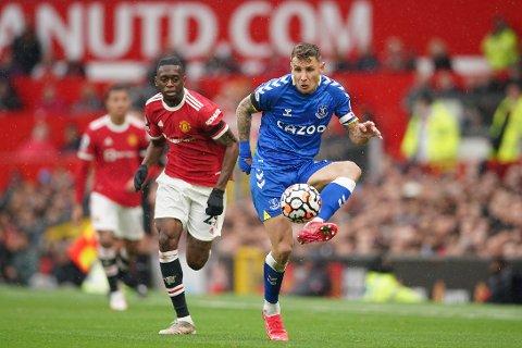 Aaron Wan-Bissaka (t.v.) blir spilleberettiget for Manchester United mot Atalanta i mesterligaen onsdag. Foto: Dave Thompson / AP / NTB