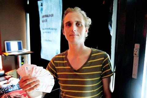 Prosjektleder for Idéfestivalen Espen Røsbak har mange gode kort på hånden for de fire festivalene på Blindern.