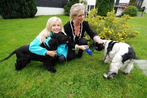 Mor og datter pluss Happy og Noddy: Far Jan Petter Stoltz Halvorsen var på jobb da intervjuet ble gjort.