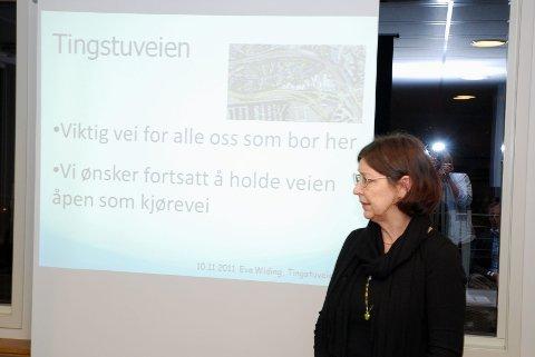 Eva Weding presenterte beboernes syn på stenging av Tingstuveien.