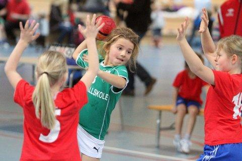 I skuddet: Hannah Solheim hadde lært seg en liten finte, frosket og skjøt mot Lillestrøms mål.