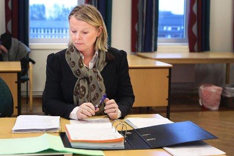 DØMT: Politiadvokat Hilde Bøch Høyer la ned påstand om fra 210 til 270 dagers samfunnstraff for guttene som angrep en homofil mann ved Ingierstrand i 2012. Straffen ble fra 160 til 190 timer.