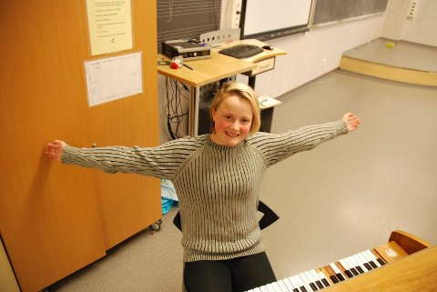 MED ELITEN: I konsertforestillingen Signatur – Lyden av Bjerke setter Lova Siverts sin signatur når hun debuterer i Operaen med sin egenkomponerte sang Home 3. desember.FOTO: TRINE DAHL-JOHANSEN