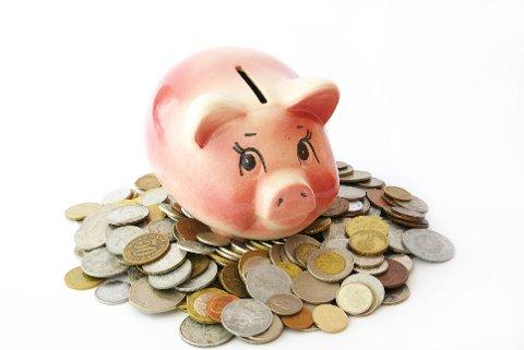 SPARE: Det kan være utfordrende å spare, men veldig tilfredsstillende når du endelig kan bruke pengene på noe du virkelig ønsker deg. Foto: Colourbox
