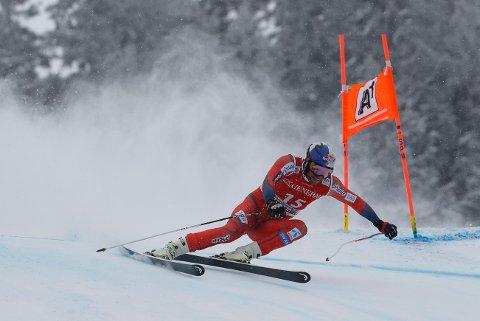 HØY FART: Aksel Lund Svindal i aksjon under verdenscuprennet i Super-G i Kitzbühel fredag.
