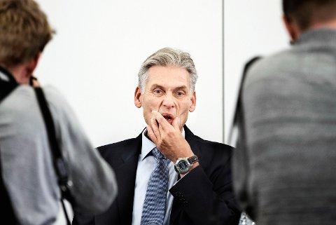 Britisk finansrådgiver råder Danske Bank til å saksøke sjefene ansvarlig for den gigantiske hvitvaskingsskandalen. På bildet: Nordmannen Thomas F. Borgen, som kunngjorde under en pressekonferanse i København at han går av som administrerende direktør i Danske Bank.