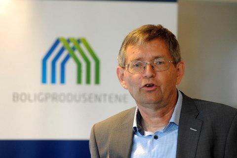 Adm. direktør Per Jæger i Boligprodusentenes Forening melder om høyere boligsalg så langt i år.