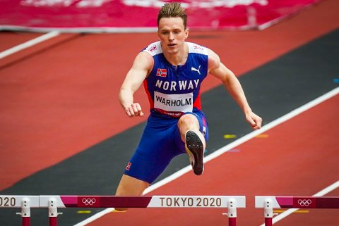 TIL FINALE: Karsten Warholm sikret en plass i OL-finalen og skal nå kjempe om gull.