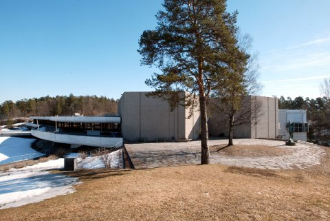 Henie Onstad Kunstsenter på Høvikodden i Bærum er et av museene som er tildelt penger. Kunstsenteret får 1 million kroner. Foto: Bjørn Sigurdsøn / NTB