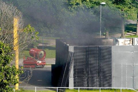 SEKSPLOSJON: Nel-aksjen får juling etter eksplosjonen i Sandvika mandag.