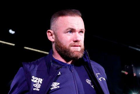 BEKYMRET: Wayne Rooney er ikke begeisret over at det er Liverpool som ser ut til å kapre Thiago Alcantara fra Bayern München.