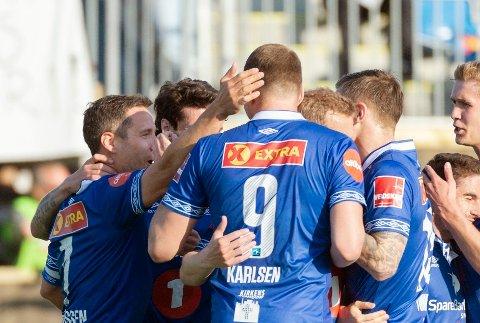 FEIRING: Mads Reginiussen og Ranheim jubler etter scoring.