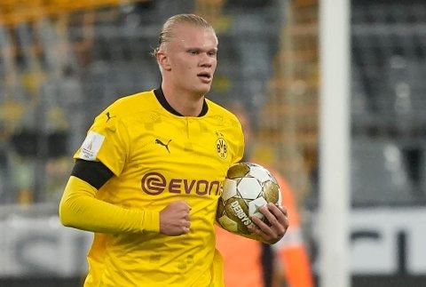 FRA START: Erling Braut Haaland starter ikke overraskende fredagens Bundesliga-oppgjør på topp for Dortmund.