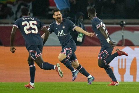 Stjernescoring: Lionel Messi jubler for sin første scoring i Paris Saint-Germains drakt. Den ga 2-0 over Manchester City i mesterligaen.