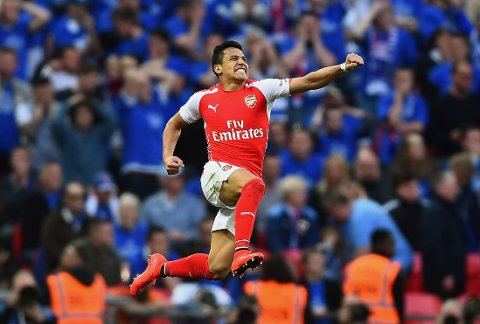 FLYR HØYT: Arsenals Alexis Sanchez har vært blant de beste spillerne i Premier League denne sesongen.