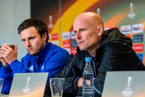 PRESSET SITUASJON: Trener Ståle Solbakken (til høyre) og midtbaneprofilen William Kvist har hatt en trøbelte sesong, men fikk reddet stumpene fredag.