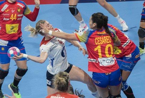 NY SEIER: Veronica Kristiansen og Norge slo Spania.