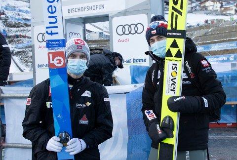 STOR FORDEL: Kamil Stoch (t.h.) leder med 20,6 poeng foran Halvor Egner Granerud på tredjeplass før det avgjørende rennet i Bischofshofen.