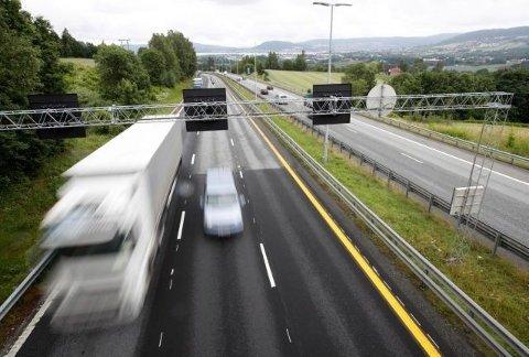 OSTATNIO W 2014: W celu lepszego dostosowania ograniczenia prędkości na norweskich autostradach do standardu dróg, w 2014 roku podniesiono limit ograniczenia prędkości do 110 km/h. Foto: NTB Scanpix
