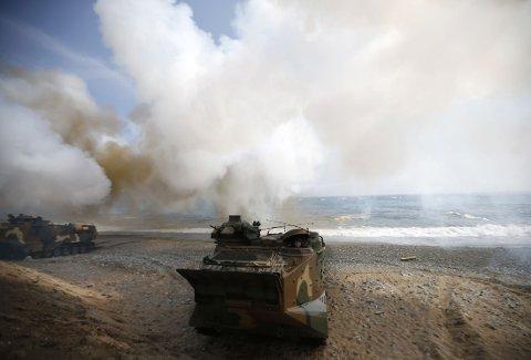 Et amfibieøkjøretøy fra den Sør-Koreanske hæren i aksjon 31. mars under en felles militærøvelse med USA som pågår frem til 18. april 2013.