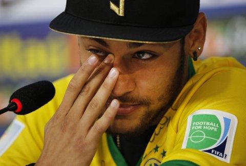 TÅREVÅT: Neymar snakket ut om ryggskaden.