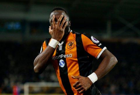 SCORET: Adama Diomande scoret for Hull og fulgte opp med sin velkjente feiring.