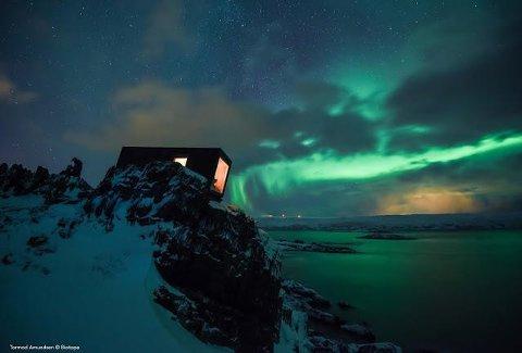 GAPAHUK: Innovasjon Norge har satset 123 millioner i Vardø i perioden 2004-2018, deriblant i selskapet Biotope. Slik ser deres gapahuk ved Kongsfjord ut. Nå fins i alt 16 gapahuker spredt i terrenget, støttet av Innovasjon Norge.