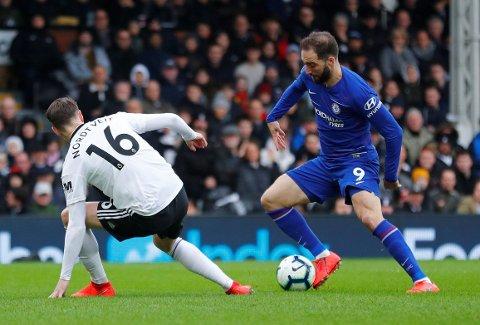 HAR FUNNET MÅLFORMEN: Gonzalo Higuain scoret for Chelsea, som til slutt kom best ut av naboduellen mot Håvard Nordtveit og Fulham.