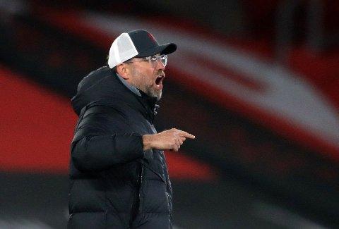 IKKE FORNØYD: Jürgen Klopp likte ikke alt han så av eget lag mot Southampton.
