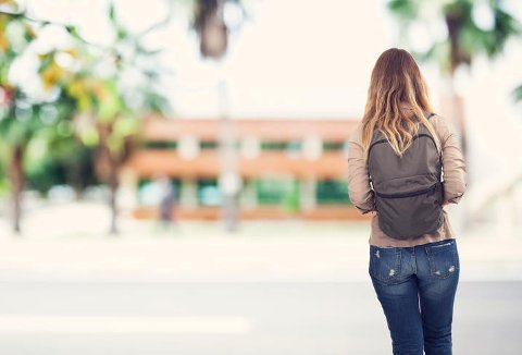 Antall tilfeller av unge klamydiasmittede har økt med ni prosent siden i fjor.