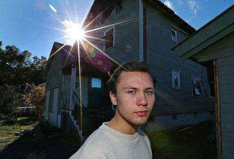 Jørgen Tolleifsen(18) kan ha reddet liv i natt da det oppsto brann i nabohuset på Tolvsrød, Tønsberg.