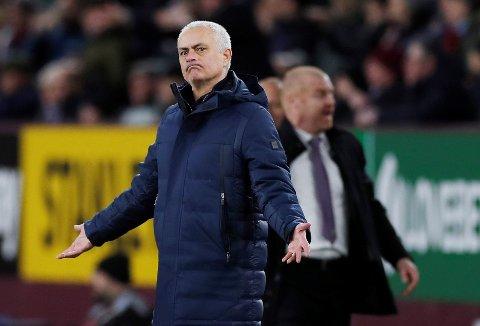 Tottenham Hotspur og manager Jose Mourinho har en vanskelig jobb på tirsdag. De tapte 0-1 i hjemmekampen mot RB Leipzig.