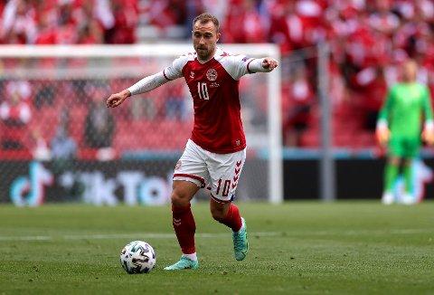KOLLAPSET PLUTSELIG: Danmark-stjernen Christian Eriksen.